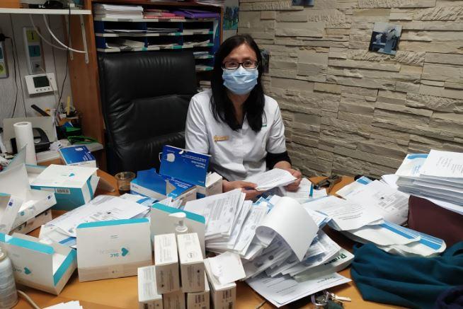 Préparation des masques à la pharmacie Mai